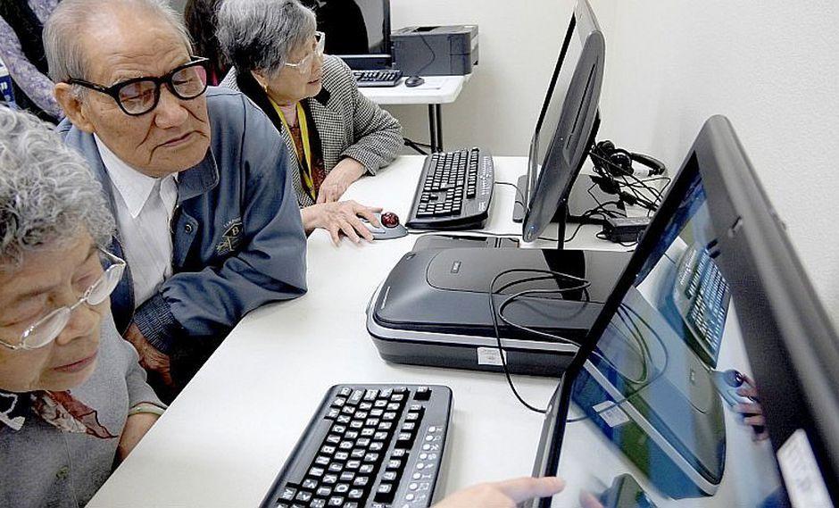Talleres gratuitos para instruir a adultos mayores en nuevas tecnologías