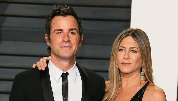 Jennifer Aniston junto a su exesposo Justin Theroux. (Foto: AFP).