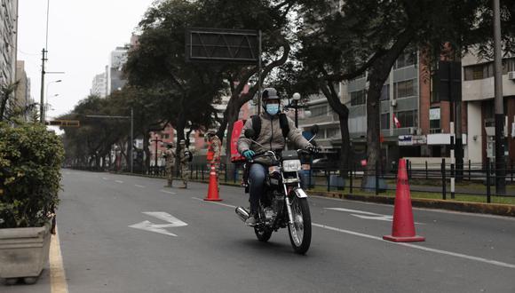 Lima y Callao ahora se encuentran en nivel sanitario moderado, por lo que el toque de queda inicia a la 1 de la madrugada. (Foto: Leandro Britto / GEC)