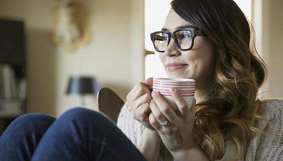 ¿Es recomendable tomar café e infusiones en las comidas?