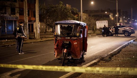 El crimen ocurrió en la avenida Carlos Izaguirre. (Foto: Joel Alonzo/ @photo.gec)