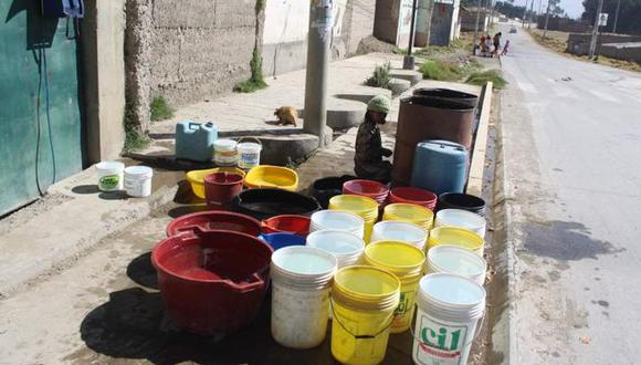 Ministerio de Agricultura insta a familias a regular el uso del agua