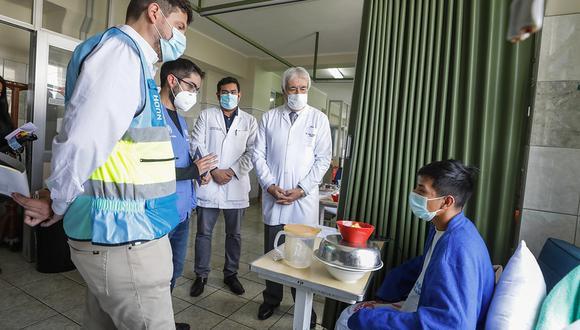 Comisión de la ONU visitó hospitales de EsSalud para ver situación de manifestaciones heridos (Foto: EsSalud)