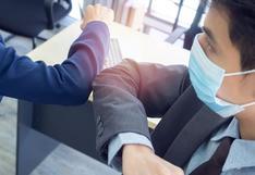 Covid-19: OMS recomienda evitar saludos con el puño o el codo