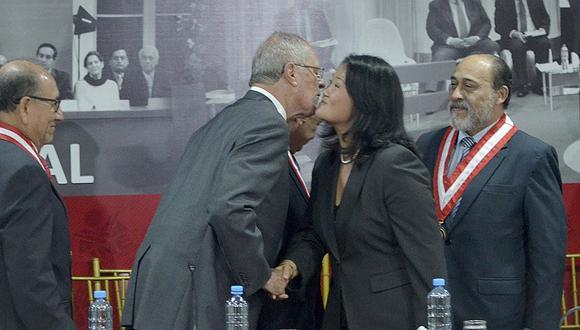 Keiko Fujimori le dice todo esto a PPK y luego se dan besito [FOTOS]