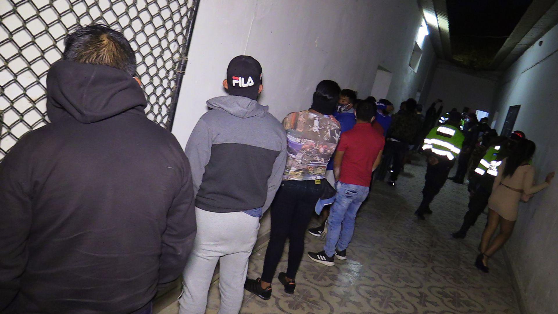 Piura: Más de 70 personas bebían alcohol dentro inmueble sin ventilación (Foto: Municipalidad de Talara)