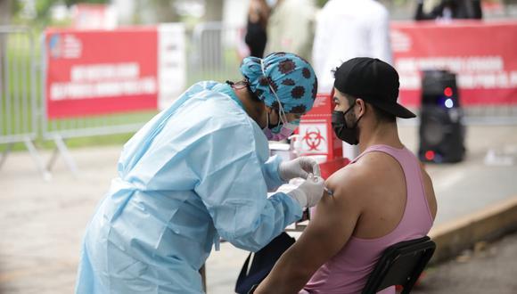 La vacunación contra el COVID-19 a nivel nacional avanza a buen ritmo. (Foto: Britanie Arroyo / @photo.gec)