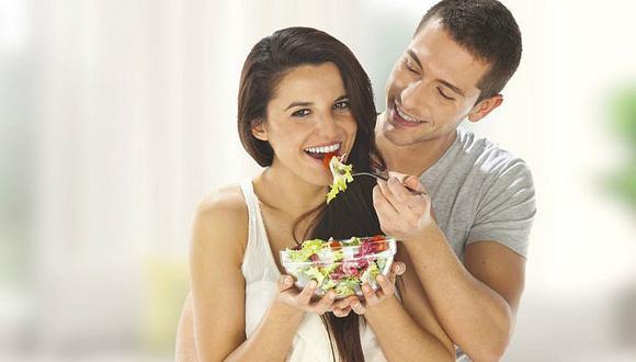 Dietas sencillas y efectivas para realizar en pareja durante el verano
