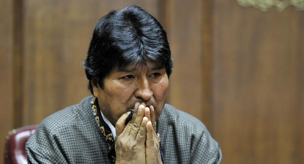 Bolivia's exiled ex-President Evo Morales gestures as he delivers a speech at the Mexican Journalists Club, in Mexico City, on November 27, 2019. (Photo by CLAUDIO CRUZ / AFP)