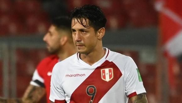 Gianluca Lapadula debutó con la selección peruana ante Chile por Eliminatorias Qatar 2022. (Foto: AFP)