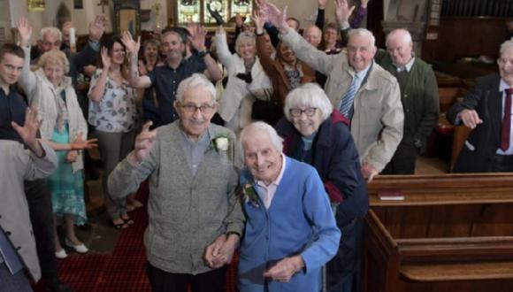 Abuelitos celebran su 75 aniversario de bodas en la misma iglesia que se casaron