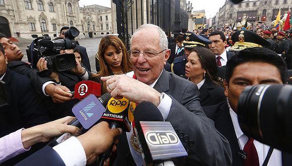 PPK promete mejorar sueldos y equipos a PNP frente a Santa Rosa de Lima