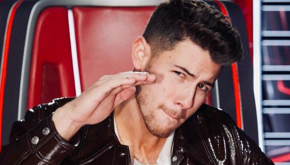 "Nick Jonas reaparece en ""The Voice"" tras accidente. (Foto: @nickjonas)."