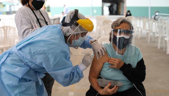 La vacunación avanza en todas las regiones del país. (Foto: Britanie Arroyo)