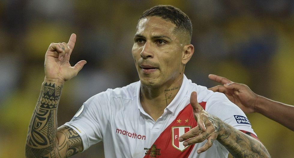 Peru's Paolo Guerrero celebrates after scoring a penalty against Brazil during the Copa America football tournament final match at Maracana Stadium in Rio de Janeiro, Brazil, on July 7, 2019. (Photo by Juan MABROMATA / AFP)