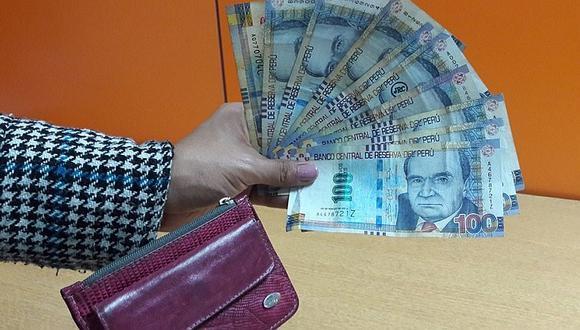 Metropolitano: buscan a usuaria que perdió billetera con mil soles en bus