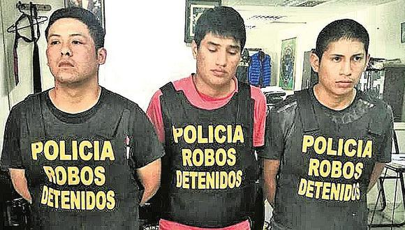 """¡Selfies los delatan! Tres presuntos """"raqueteros"""" son capturados por subir fotos"""