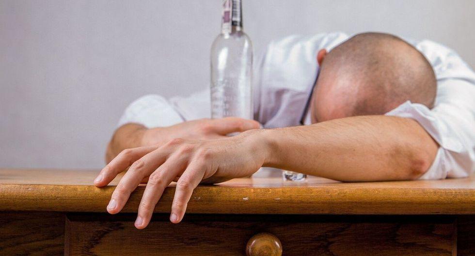 Beber alcohol en exceso. El alcohol no solo daña a tu hígado, sino a tus riñones también. Este producto contiene toxinas y componentes químicos que resultan muy agresivos para estos órganos.  (Foto: Pixabay)