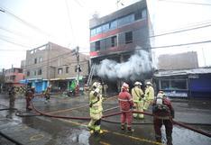 Incendio en Santa Anita: menor de 2 años se habría lanzado desde el segundo piso para salvar su vida