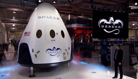Dos personas darán vuelta a la Luna en una semana