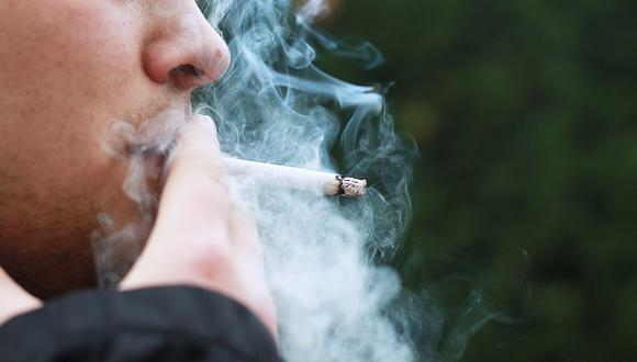 Otro de los problemas cuando se fuma es el empeoramiento de la hipertensión arterial y la angina (Foto: Pixabay)