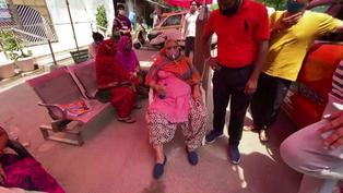 """Coronavirus en India: Nuevo récord de contagios y muertes a la espera de """"nuevas olas"""""""