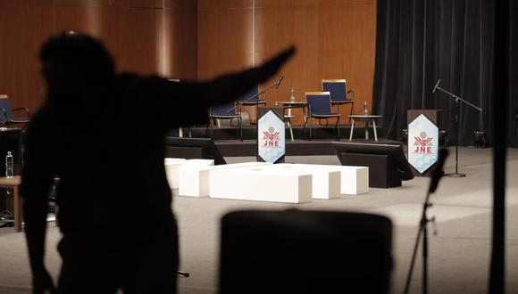 El JNE organizó dos debates en el marco de la segunda vuelta electoral entre Pedro Castillo y Keiko Fujimori. (Foto: Renzo Salazar / @photo.gec)