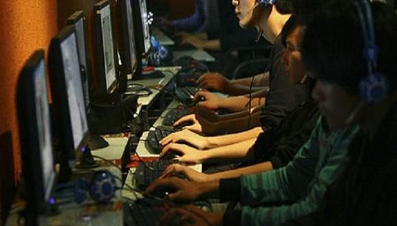 Hombre deja morir de hambre a su hijo por jugar videojuegos