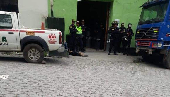Puno: los efectivos policiales y el fiscal de turno de Sandia realizan una serie de diligencias para esclarecer la muerte de la mujer. (Foto: Difusión)