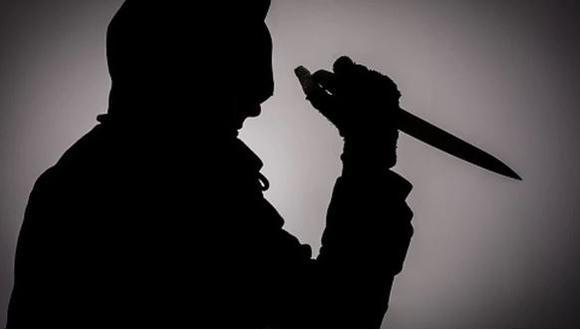Asesinan de varias puñaladas a un anciano de 72 años (Getty)
