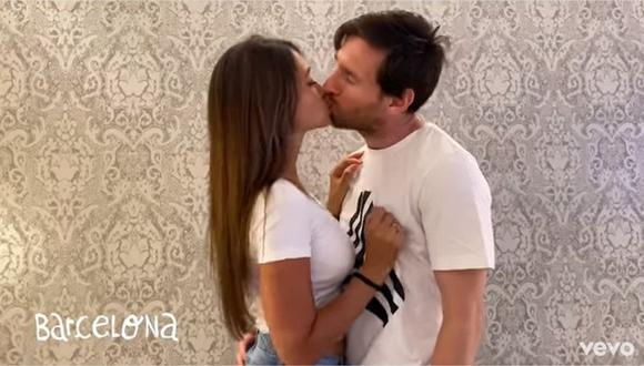 Lionel Messi, Antonella Roccuzzo y su apasionado beso en la nueva canción de Residente (Video: Twitter)