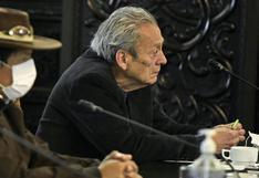 Denuncian nexos entre el ministro de Educación Carlos Gallardo y grupos como Fenate y Movadef