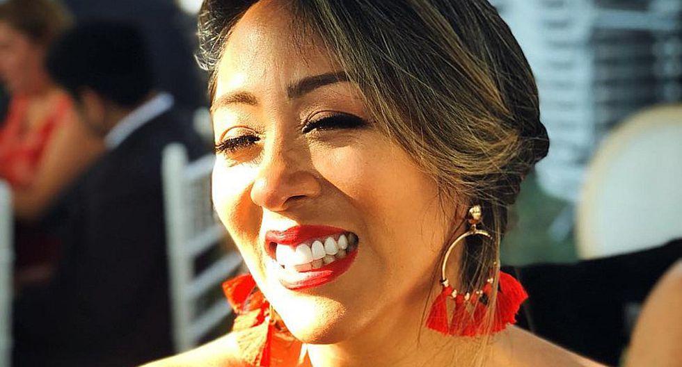 Cathy Sáenz luce totalmente regia en look para boda