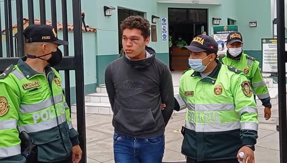 El sujeto fue golpeado por los padres y familiares de la víctima, de solo cuatro años. (Municipalidad de Surco)