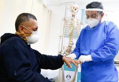 COVID-19: Evalúan incluir a pacientes con artritis reumatoide y psoriásica en lista prioritaria de vacunación