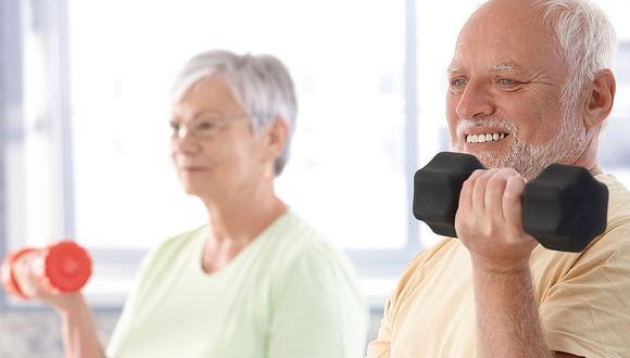 Adultos mayores que van al gimnasio tienen una mayor expectativa de vida