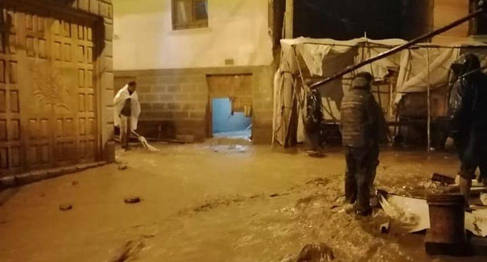 Muchos vecinos y comerciantes de la zona salieron de sus viviendas ante el temor de posibles derrumbes. (Facebook / Noticias Cusco)