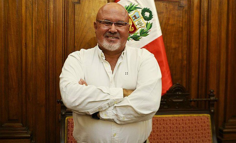 Carlos Bruce confiesa que padece de cáncer de piel