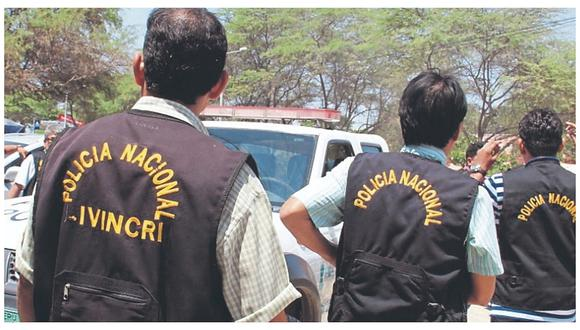 Piura: Agentes del Departamento de Homicidios de la Divincri Piura investigan el crimen de un joven mototaxista.