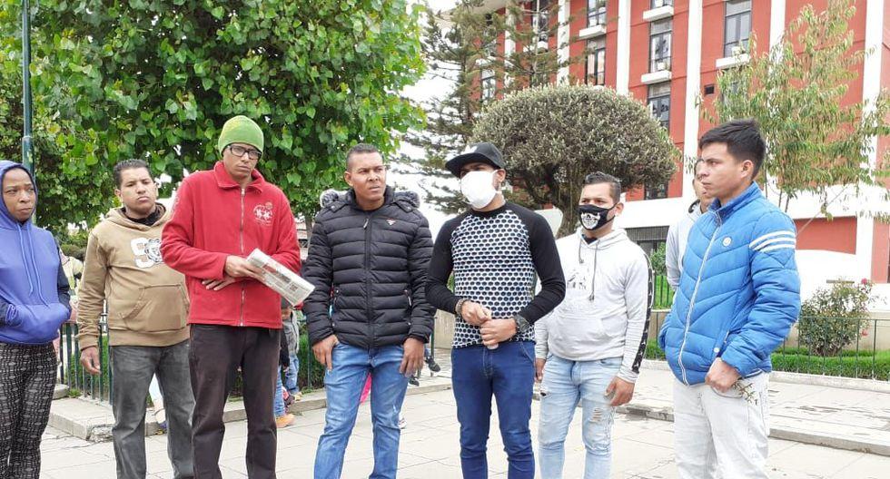 Venezolanos salieron a pedir comida a los mercados