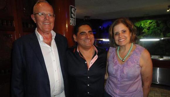 Carlos Álvarez: Candidatos a la presidencia en cumpleaños del cómico