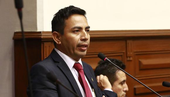 """El legislador César Gonzales Tuanama afirmó que el mandatario Martín Vizcarra """"está discapacitado moralmente"""". (Foto: GEC)"""